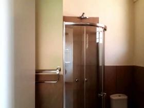 ea_Shower_cubicle